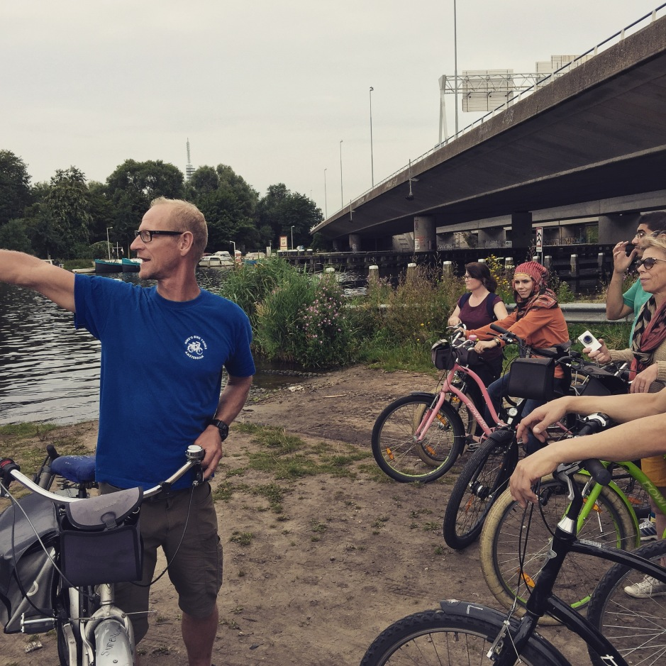 """We stop for a quick look at the Amstel River. Wet sand, green grass and dirty water. There's an overriding mineral odour in the air #ScentedStories #Amsterdam"""