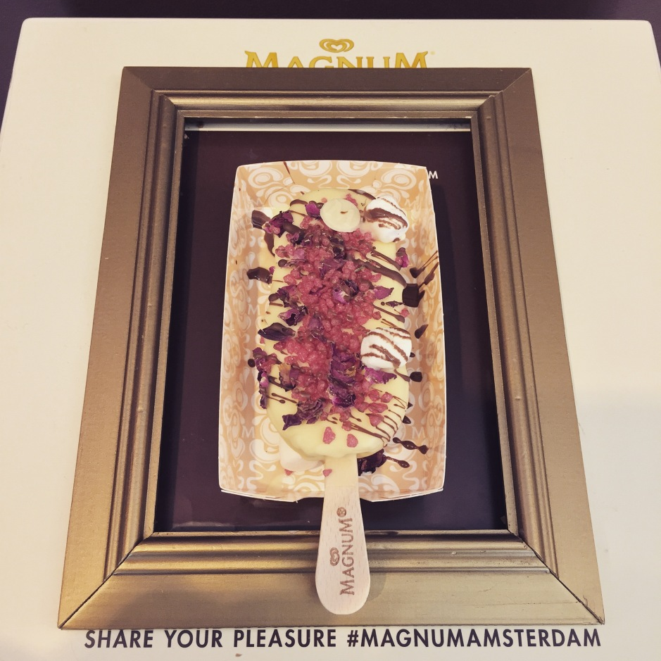 """Build your own #Magnum. Mine was white chocolate with marshmallows, strawberry sugar and rose petals. The smell? Turkish Delight! #ScentedStories #Amsterdam #MagnumAmsterdam"""