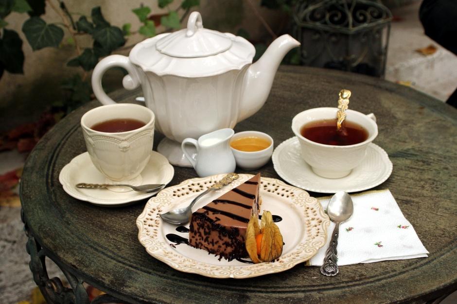 Tea & Pastries