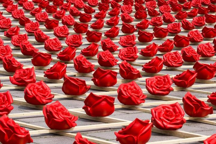 1,000 Roses for Zweibrücken (2012) by Ottmar Hörl