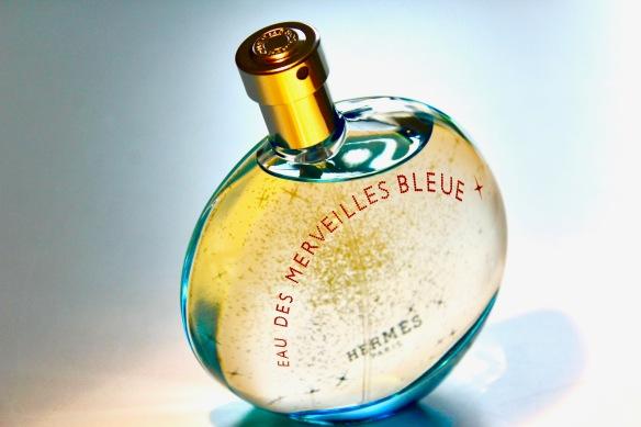 perfume review eau des merveilles bleue by herm s the. Black Bedroom Furniture Sets. Home Design Ideas